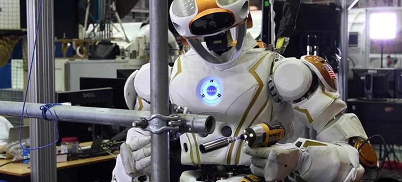 Robot gaat levens redden én klusjes