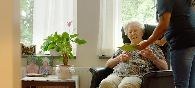 Zingende kaarten voor mensen met dementie