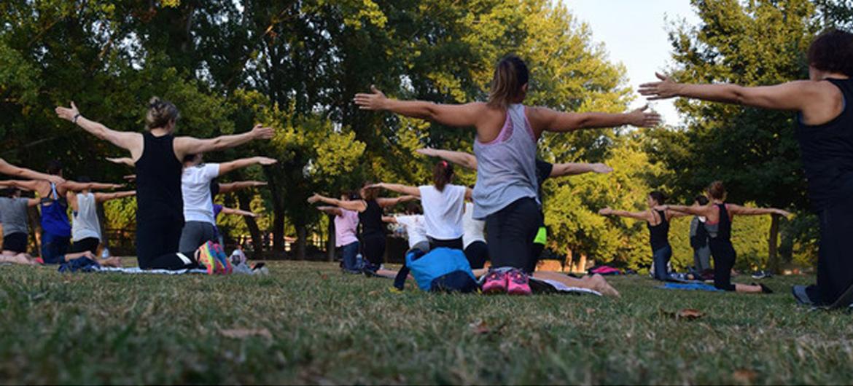 Collegebanken inruilen voor yogamat