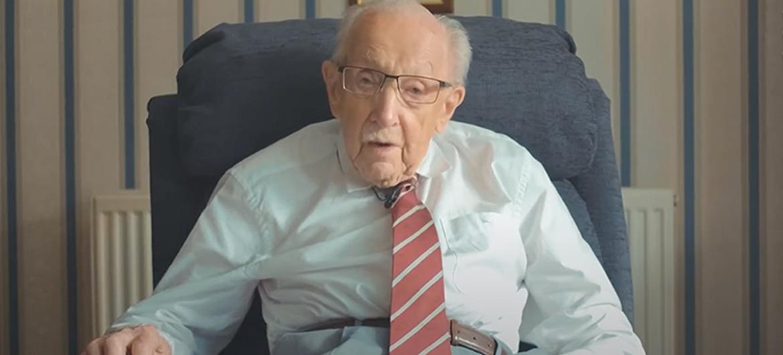 100-jarige Captain Tom begint podcast