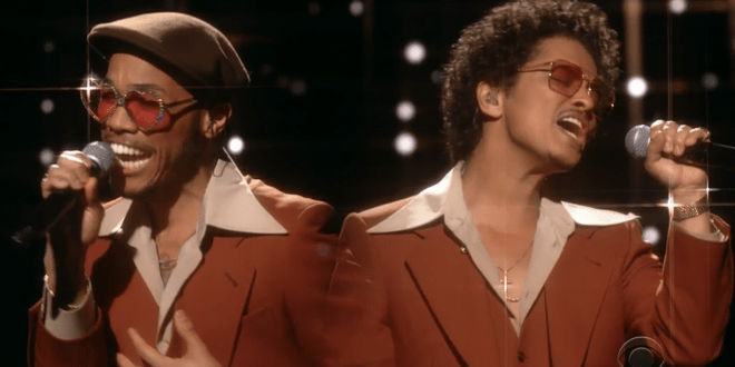 Bekijk het eerste live-optreden van Silk Sonic tijdens de Grammy's