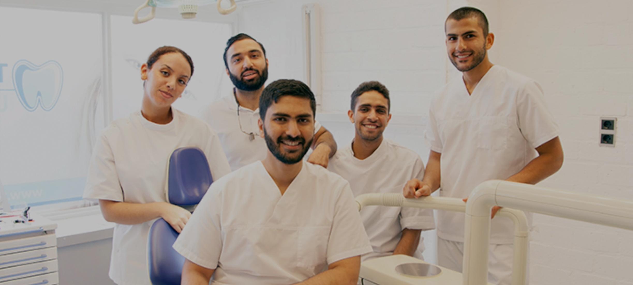Deze tandarts geeft gratis behandelingen aan dakloze mensen in z'n vrije tijd