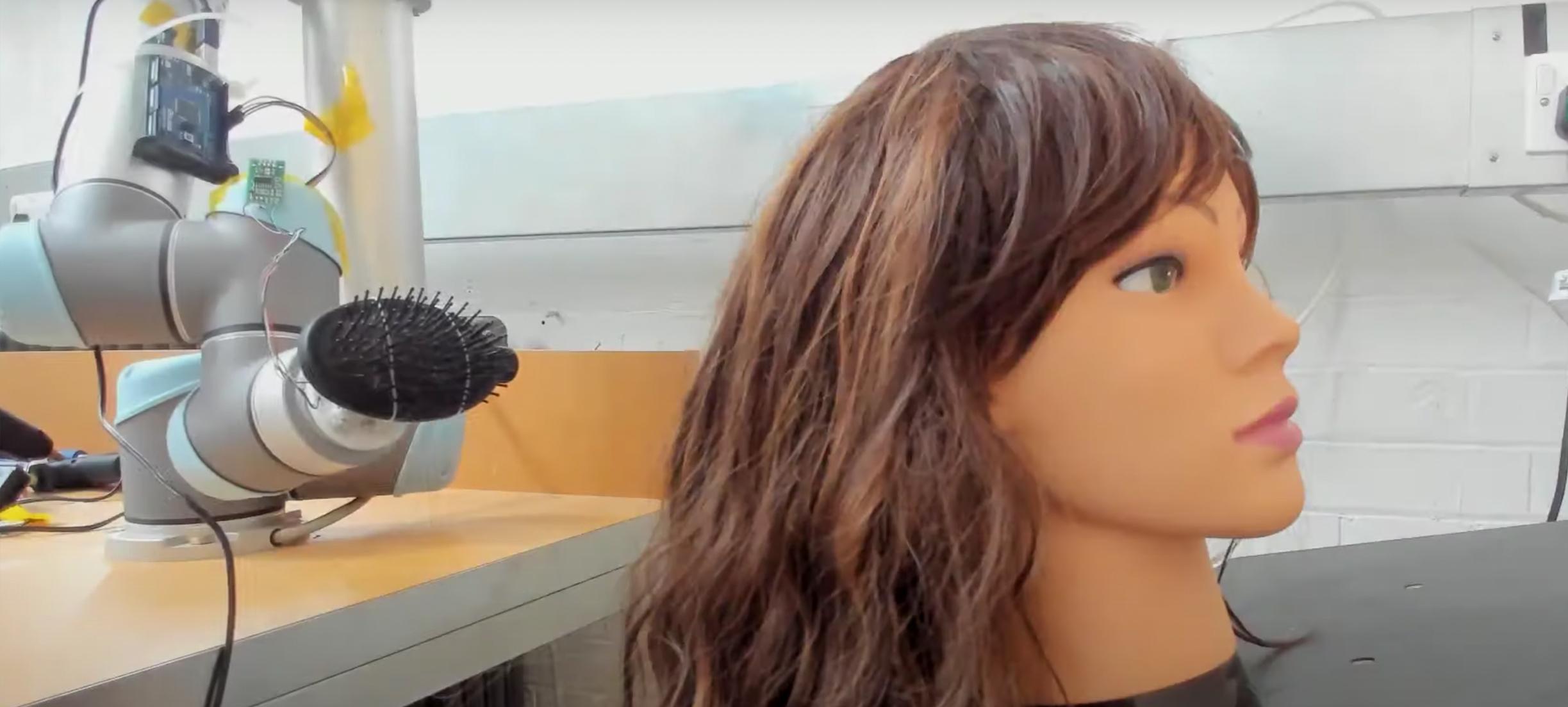 Haarborstelende robot moet zorgpersoneel gaan ontlasten, en meer nieuws
