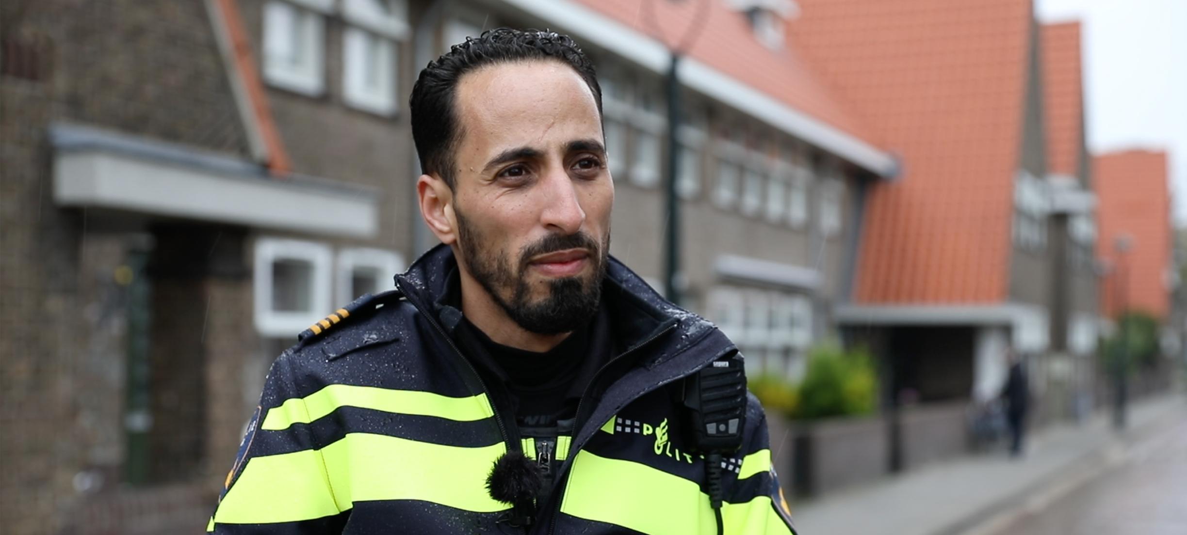 Agent Hicham: 'Je kunt met een gesprek het verschil maken'