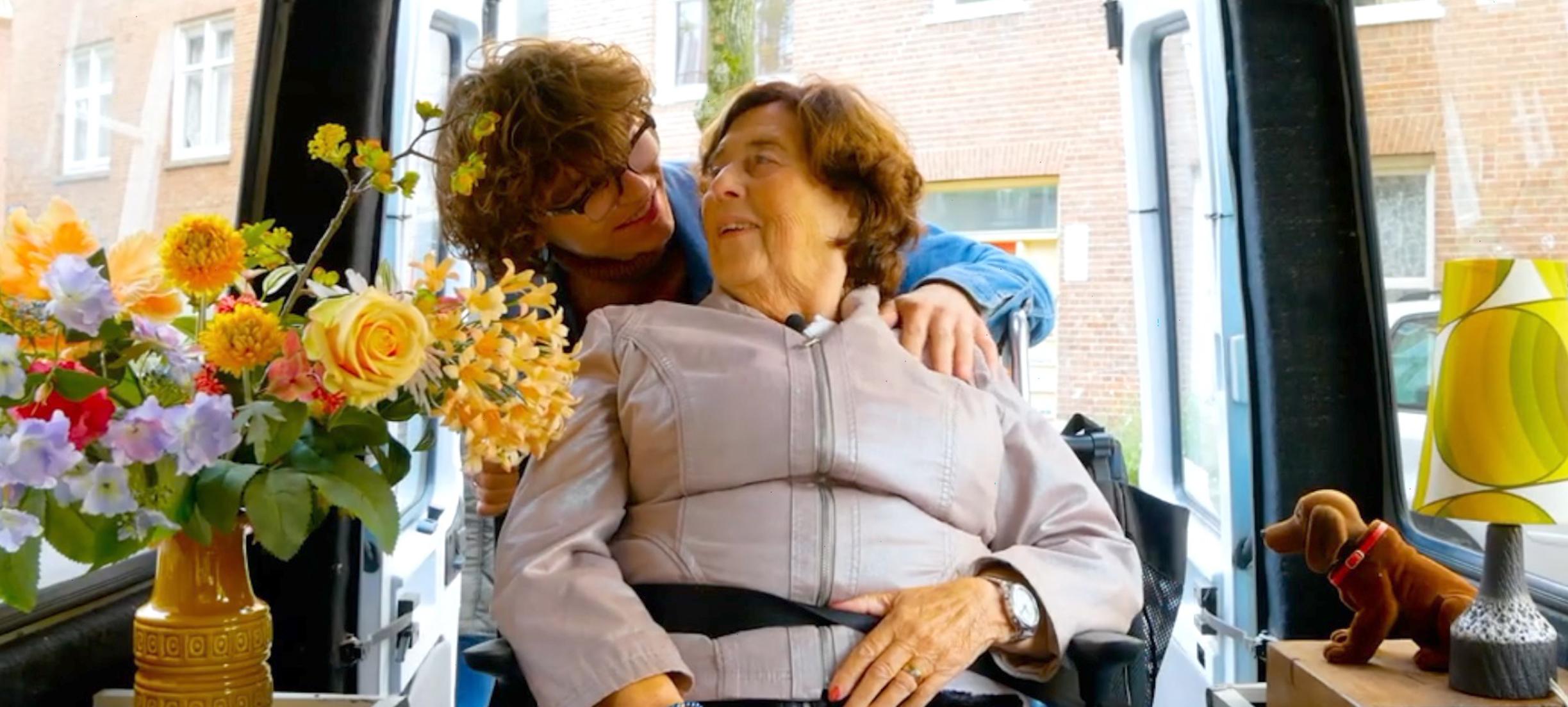 Teun (21) woont samen met mensen met dementie: 'Ze willen gewoon gelijkwaardig zijn'