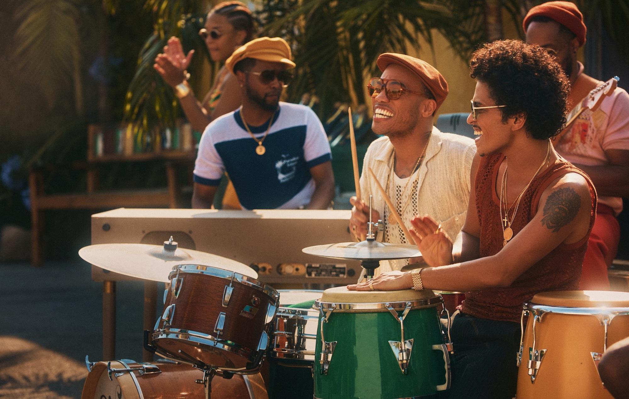 Bruno Mars en Anderson. Paak brengen in januari eerste album uit